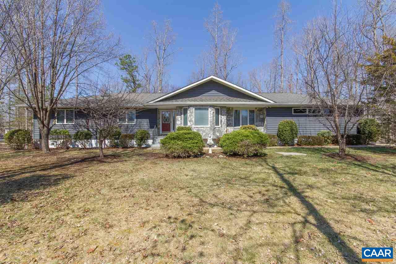 Property for sale at 1 GREENLEAF LN, Palmyra,  VA 22963