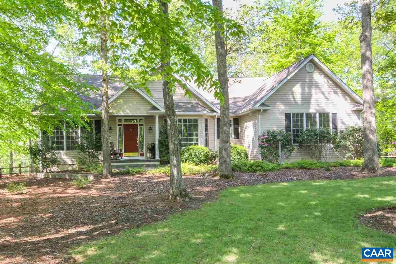 Property for sale at 36 DOGLEG RD, Palmyra,  VA 22963