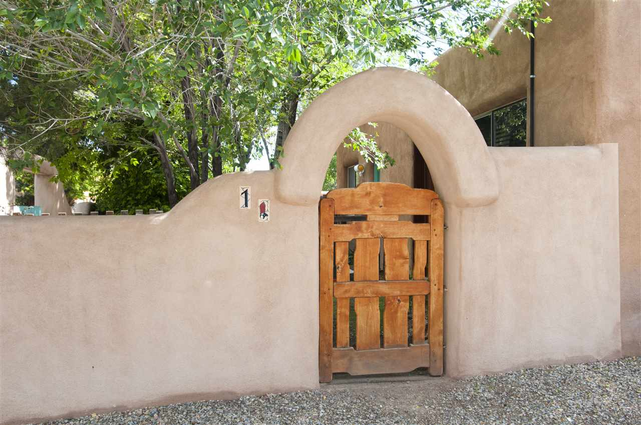 Single Family Home for Sale at 220 Closson Santa Fe, New Mexico 87501 United States