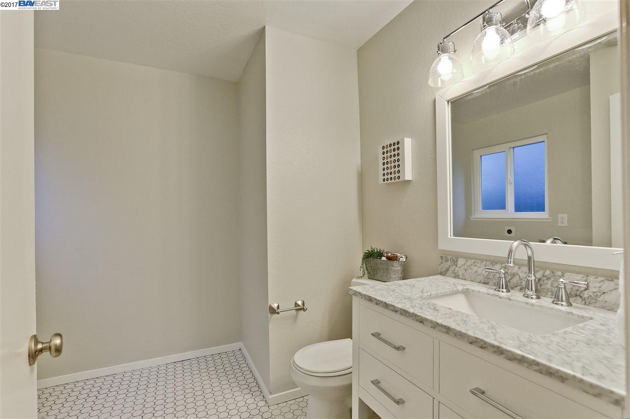 Additional photo for property listing at 3686 Redwood Road  Oakland, 加利福尼亞州 94619 美國