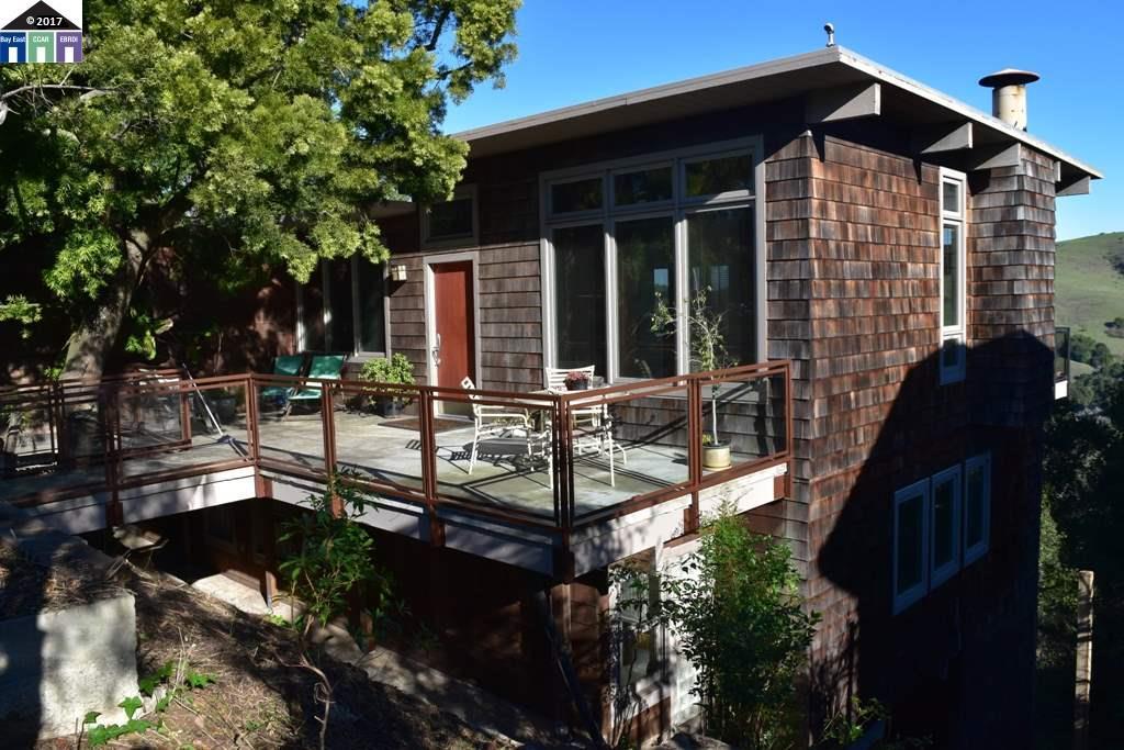 獨棟家庭住宅 為 出售 在 89 Kensington Road Kensington, 加利福尼亞州 94707 美國