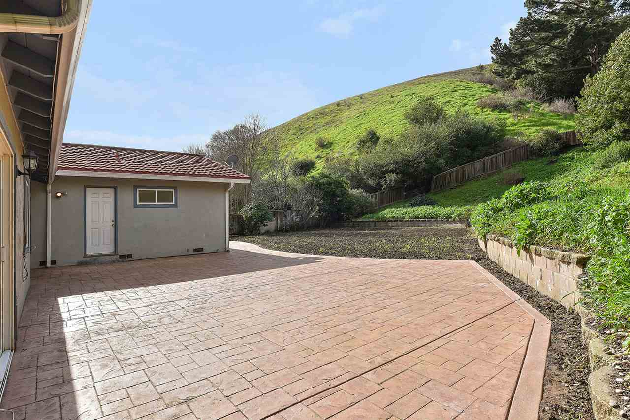 Additional photo for property listing at 2855 Doidge Avenue  Pinole, カリフォルニア 94564 アメリカ合衆国