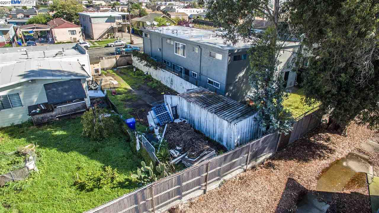 Additional photo for property listing at 3136 Florida Avenue  Richmond, Californie 94804 États-Unis