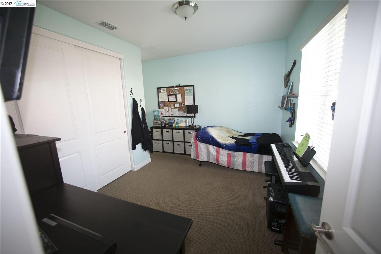 Additional photo for property listing at 593 Plymouth Court  Brentwood, Kalifornien 94513 Vereinigte Staaten