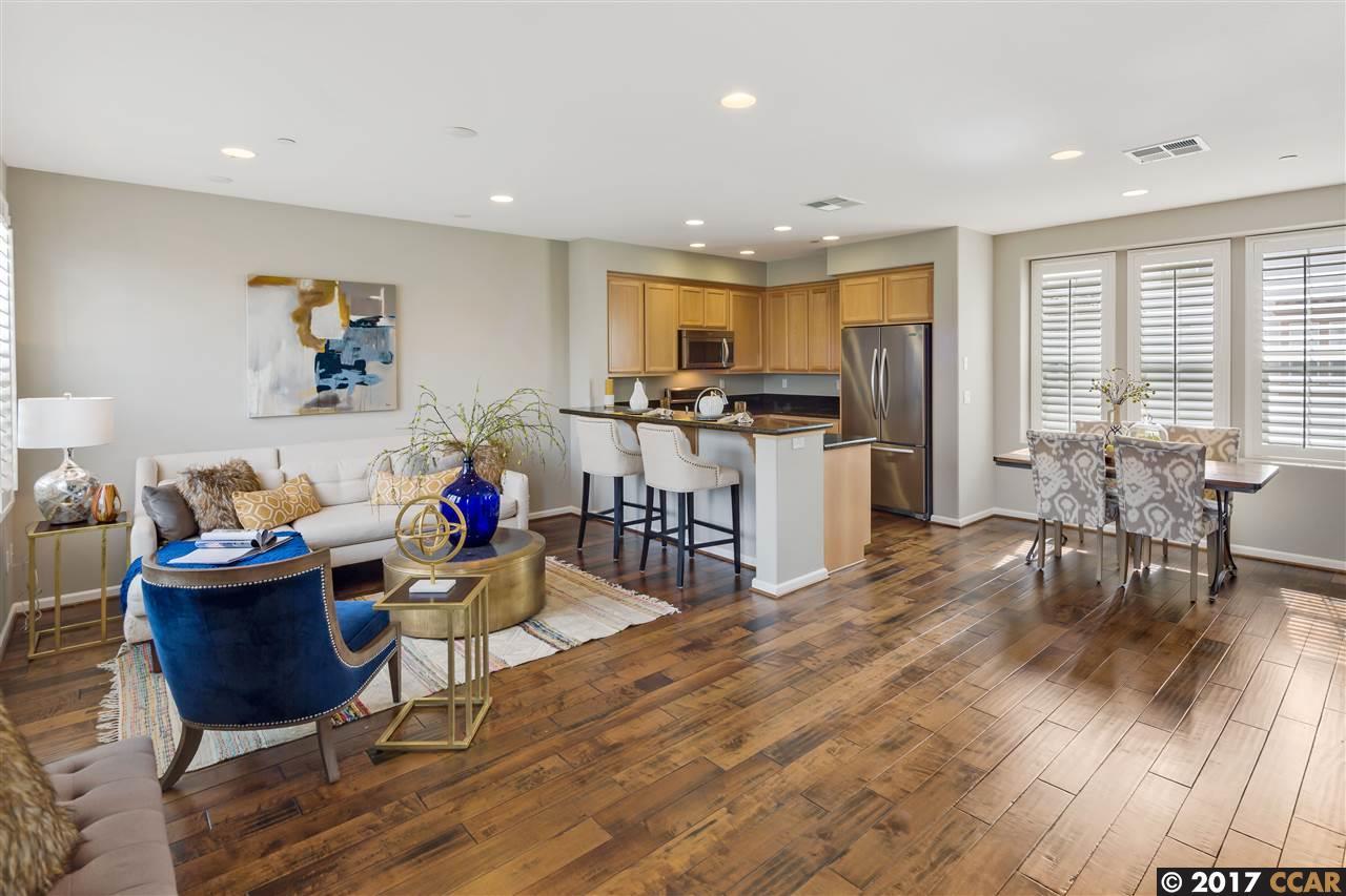Casa Unifamiliar por un Venta en 132 Selby Livermore, California 94551 Estados Unidos