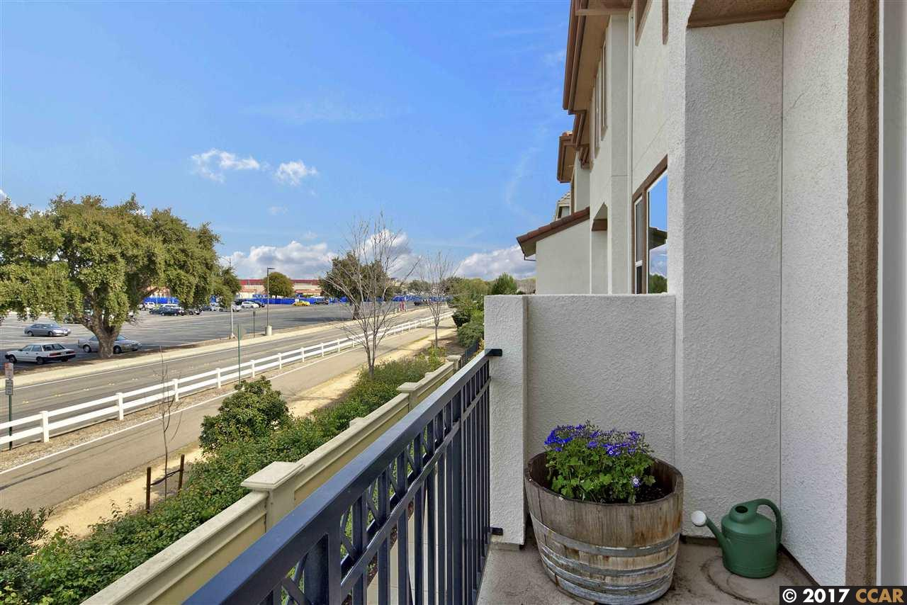 Additional photo for property listing at 132 Selby  Livermore, Californie 94551 États-Unis