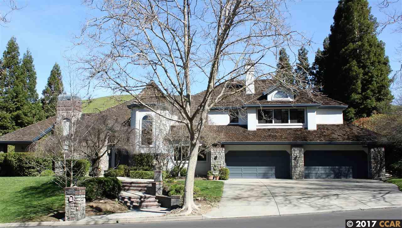 واحد منزل الأسرة للـ Sale في 5333 Blackhawk Drive Danville, California 94506 United States