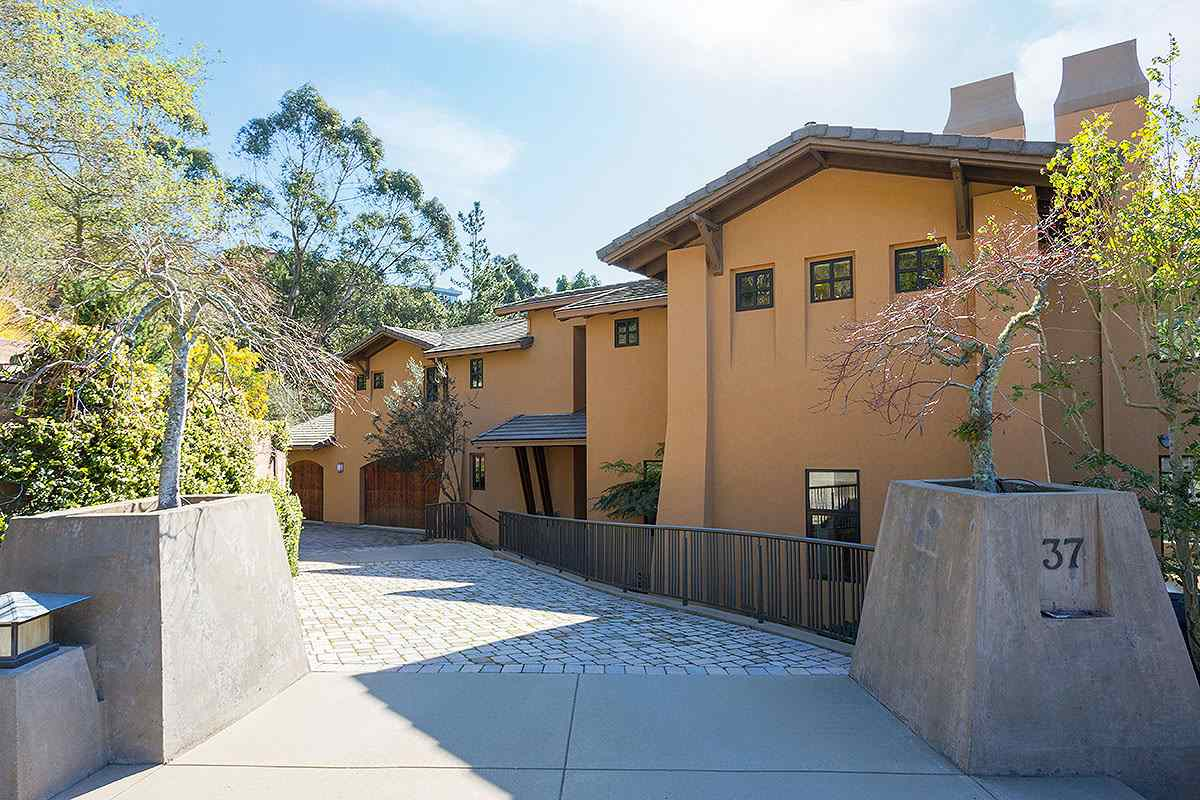 Single Family Home for Sale at 37 DAWN STREET Berkeley, California 94705 United States