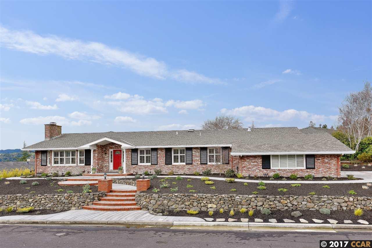 Single Family Home for Sale at 42 Lambeth Sq Moraga, California 94556 United States