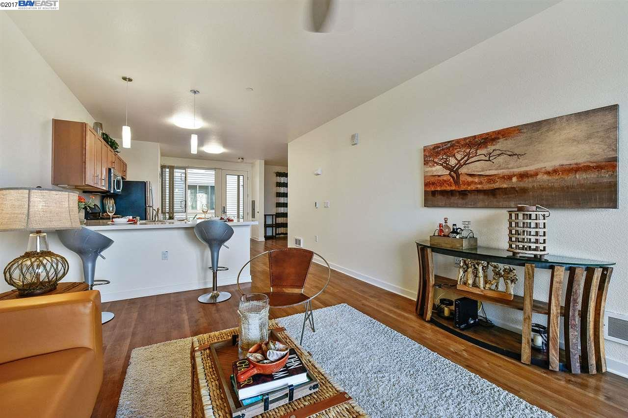 Additional photo for property listing at 340 29th Avenue  Oakland, California 94601 United States