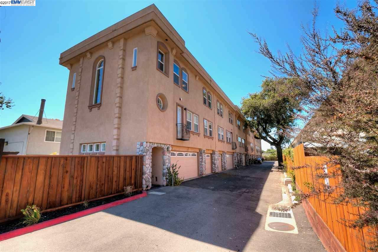 Townhouse for Sale at 4131 TODDIKA Lane Castro Valley, California 94546 United States