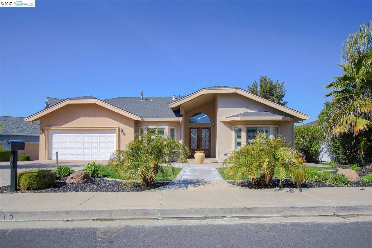 獨棟家庭住宅 為 出售 在 5713 Driveakes Drive Discovery Bay, 加利福尼亞州 94505 美國