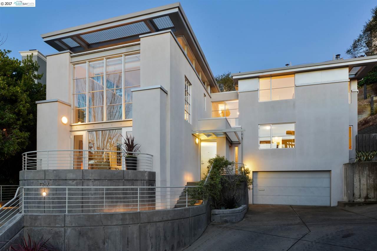 Oakland                                                                      , CA - $1,895,000