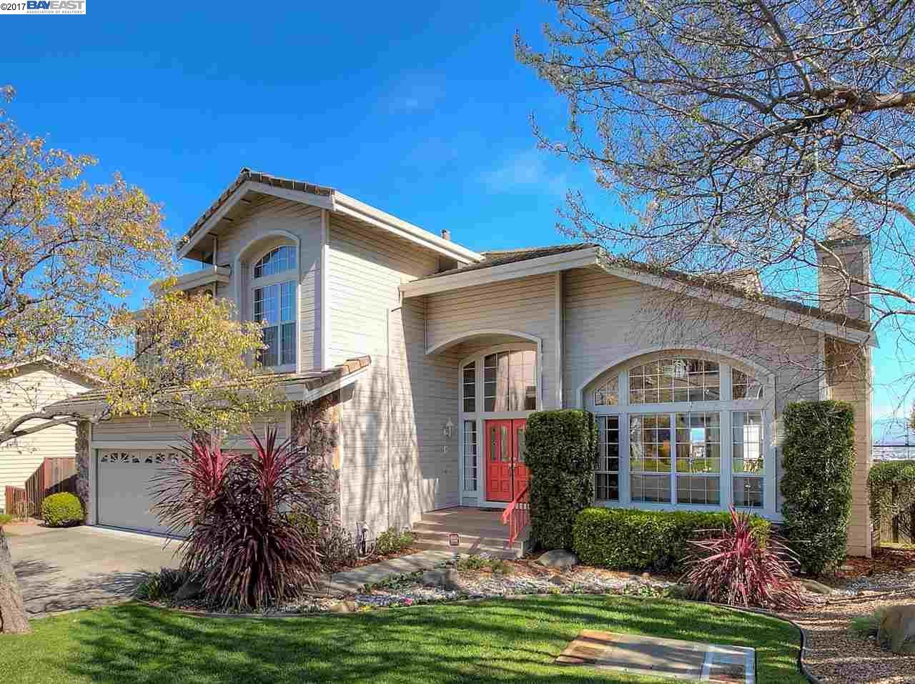 Частный односемейный дом для того Продажа на 11367 VILLAGE VIEW COURT Dublin, Калифорния 94568 Соединенные Штаты