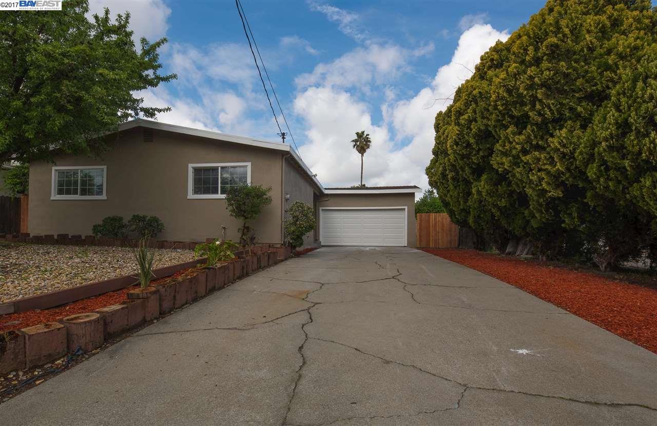 Maison unifamiliale pour l Vente à 2905 Clearland Circle Bay Point, Californie 94565 États-Unis