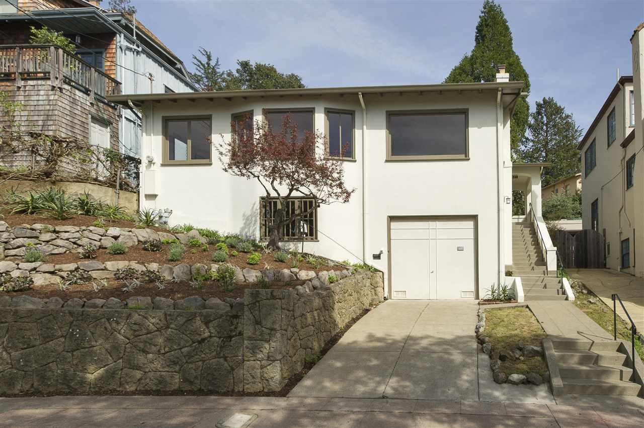 واحد منزل الأسرة للـ Sale في 825 San Luis Road Berkeley, California 94707 United States