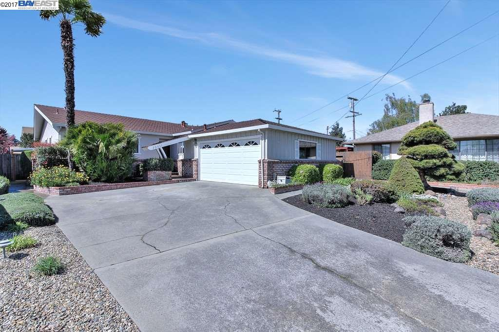 Single Family Home for Sale at 20037 Butterfield Drive Castro Valley, California 94546 United States