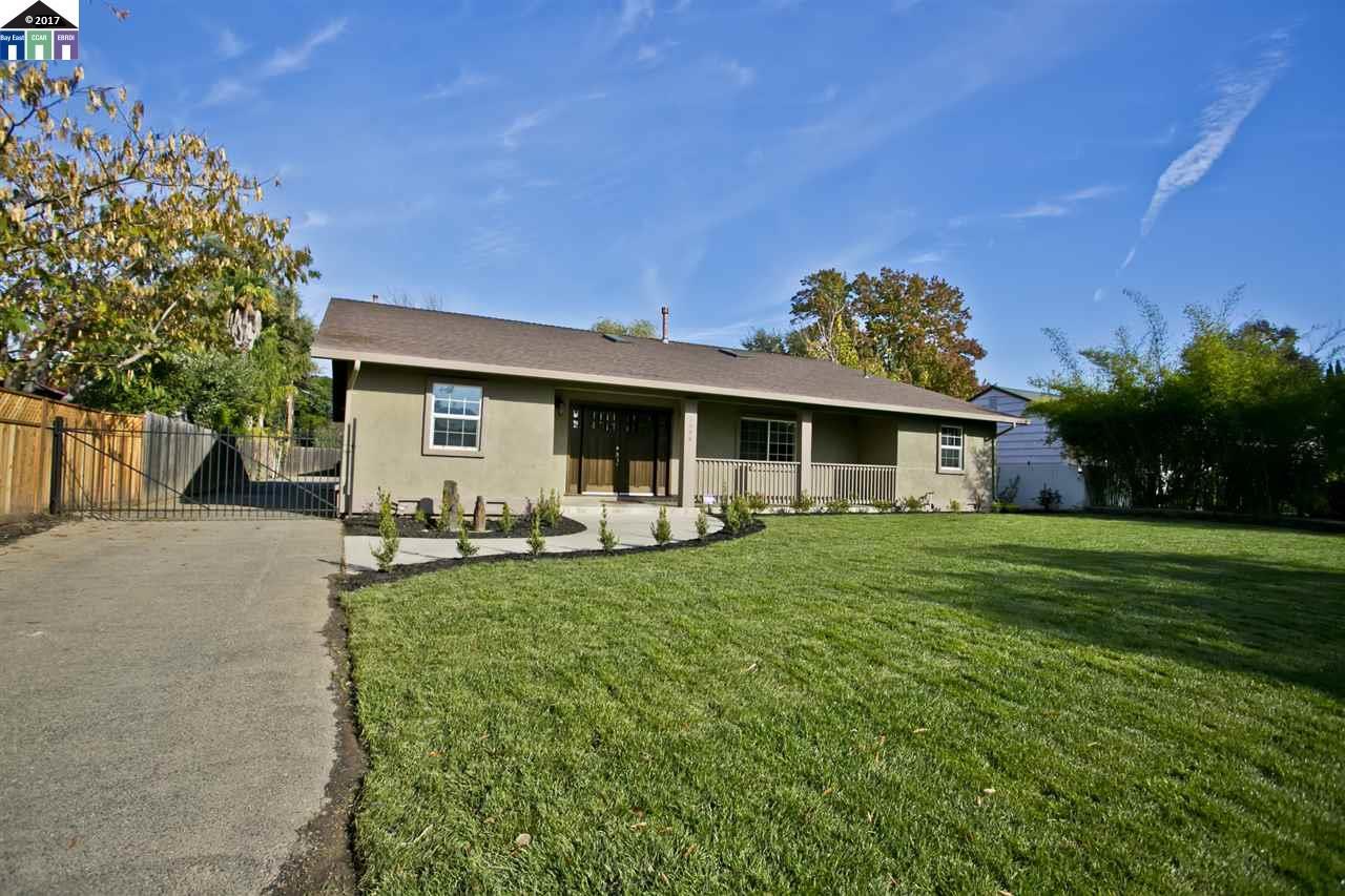 Maison unifamiliale pour l Vente à 3584 Bodega Court Sacramento, Californie 95864 États-Unis