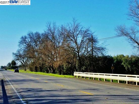 Land for Sale at 1500 Highway 99W Corning, California 96021 United States