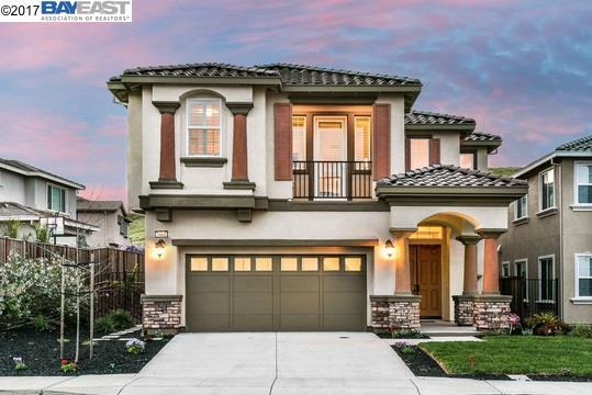 Частный односемейный дом для того Продажа на 7600 Jacqueline Street Dublin, Калифорния 94568 Соединенные Штаты