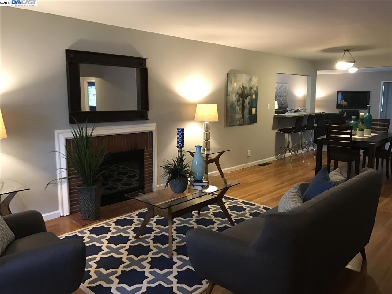 Einfamilienhaus für Verkauf beim 602 J Street Davis, Kalifornien 95616 Vereinigte Staaten