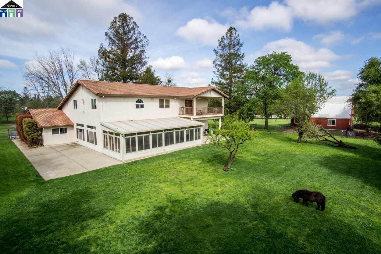 واحد منزل الأسرة للـ Sale في 7600 Larkspur Lane Orangevale, California 95662 United States