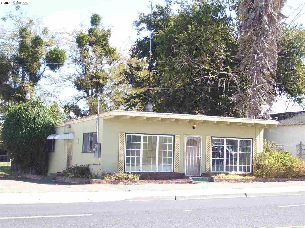 Maison unifamiliale pour l Vente à 6320 Bethel Island Road Bethel Island, Californie 94511 États-Unis