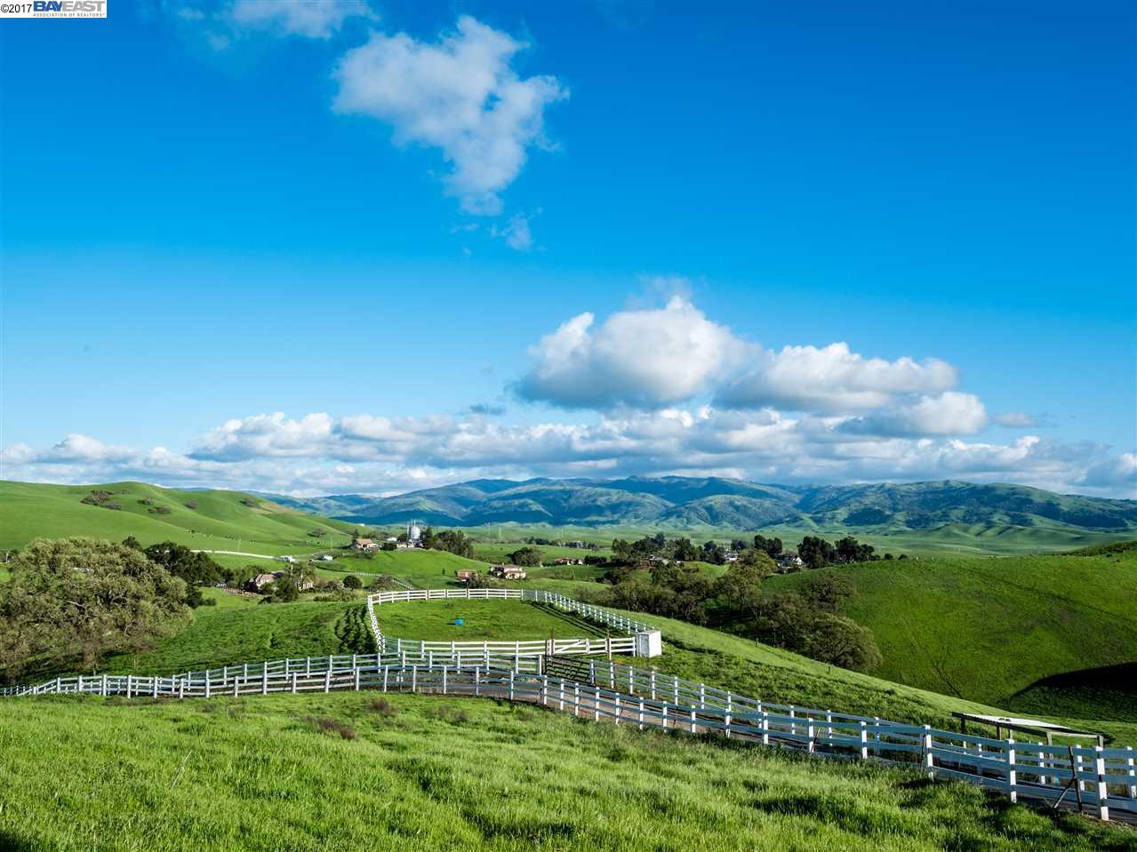 Terrain pour l Vente à 3333 Little Valley Rd, LOT B Sunol, Californie 94586 États-Unis