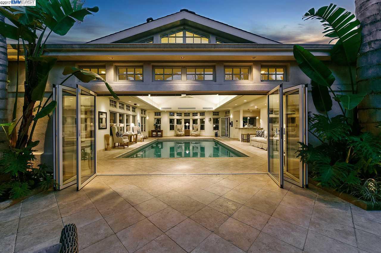 Частный односемейный дом для того Продажа на 1277 BAY STREET Alameda, Калифорния 94501 Соединенные Штаты