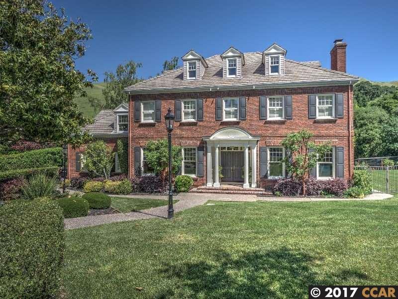 Single Family Home for Sale at 15 Merrill Drive Moraga, California 94556 United States