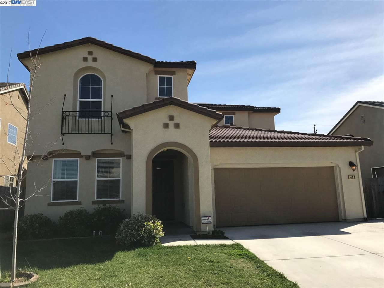 Maison unifamiliale pour l Vente à 422 Monte Oro Street Manteca, Californie 95337 États-Unis