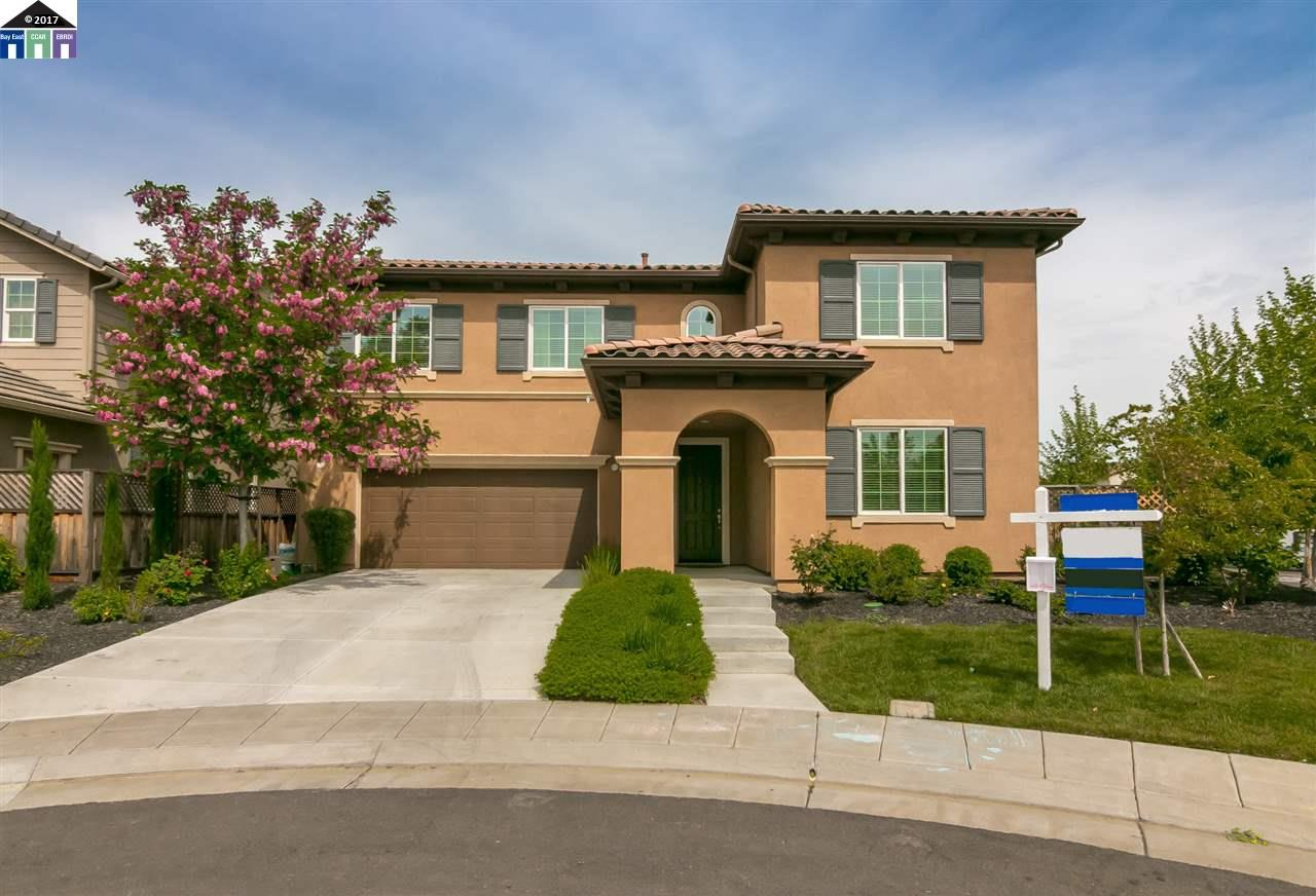 Single Family Home for Sale at 359 W San Juan Drive Mountain House, California 95391 United States