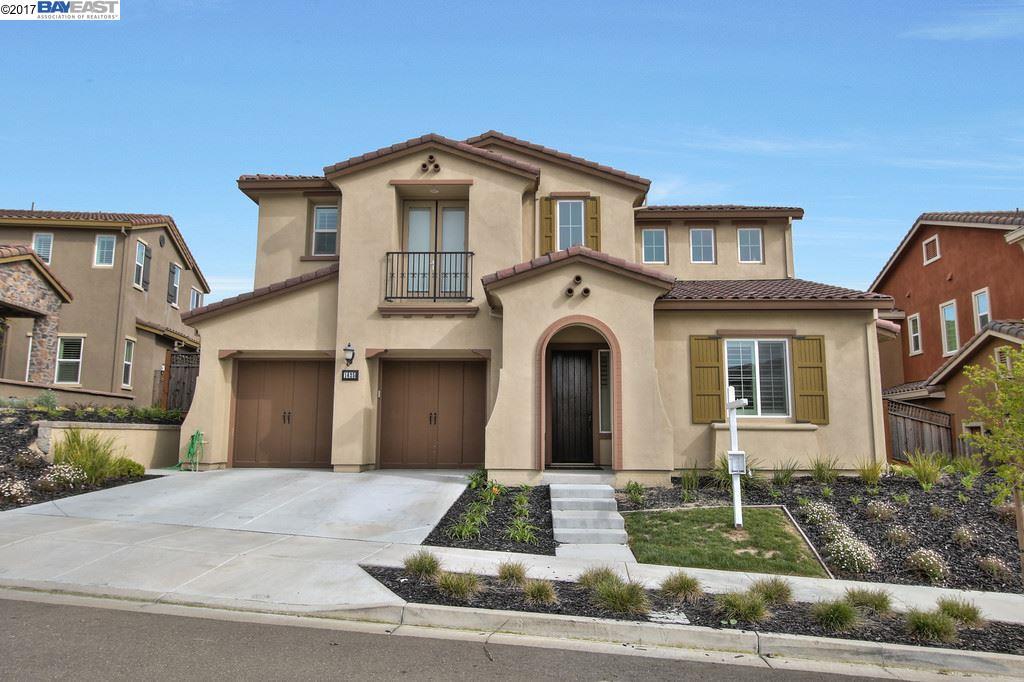 Частный односемейный дом для того Продажа на 1625 N Terracina Drive Dublin, Калифорния 94568 Соединенные Штаты