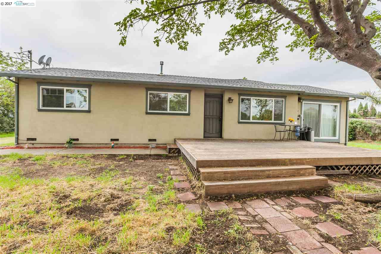 Single Family Home for Sale at 7171 Piper Road Bethel Island, California 94511 United States