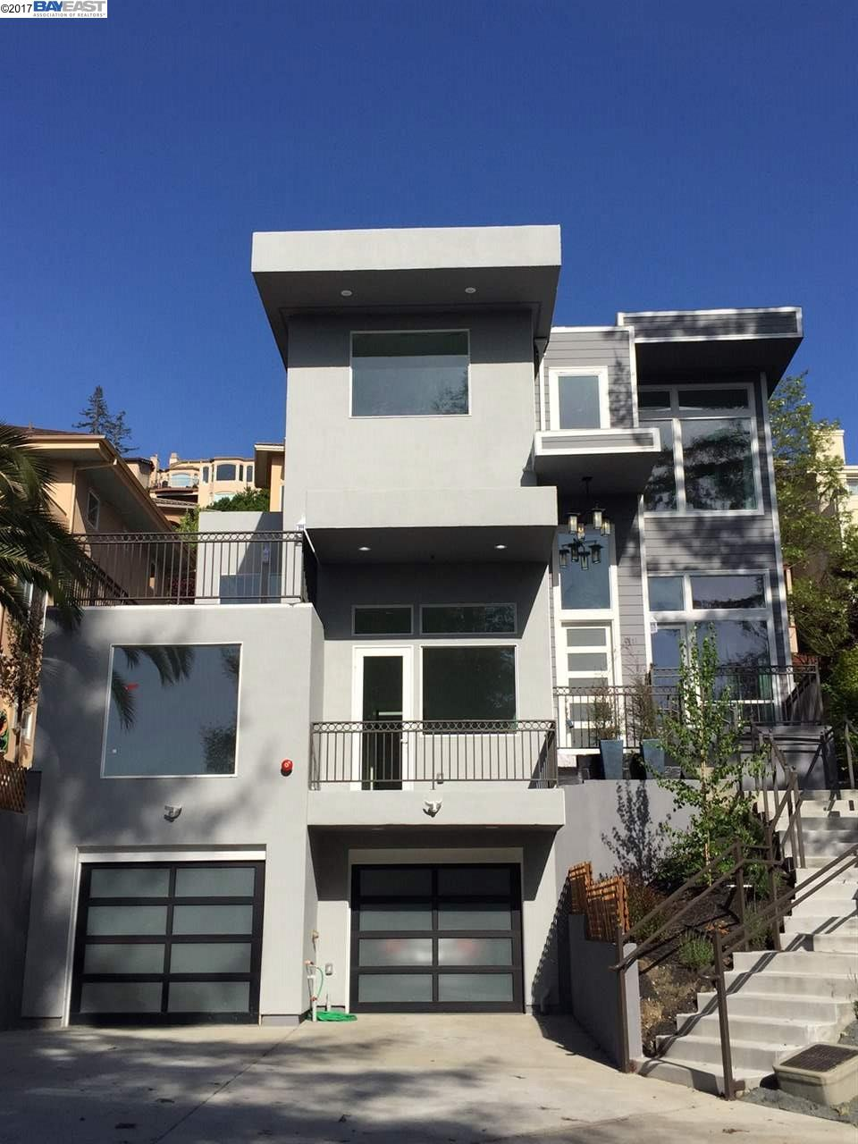 Oakland                                                                      , CA - $1,999,888
