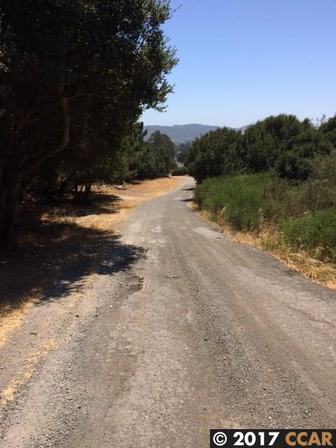 Additional photo for property listing at SOBRANTE Avenue  El Sobrante, California 94803 United States
