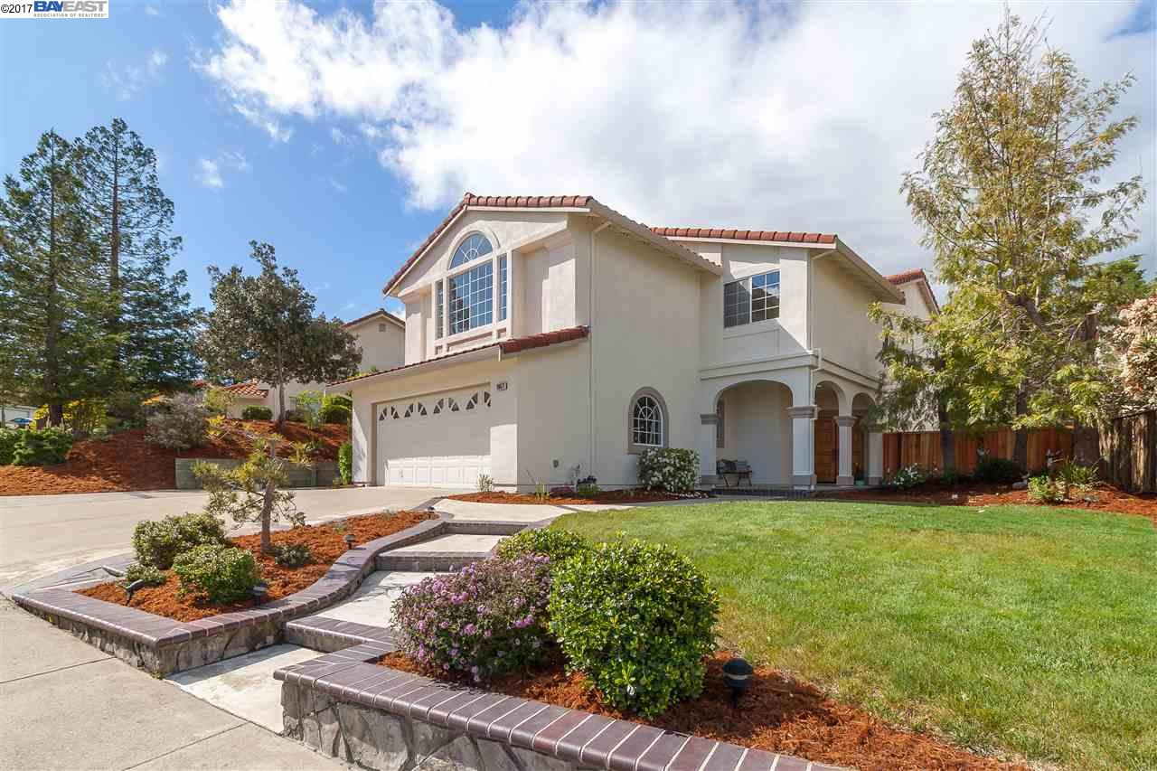 Single Family Home for Sale at 20671 Glenwood Drive Castro Valley, California 94552 United States