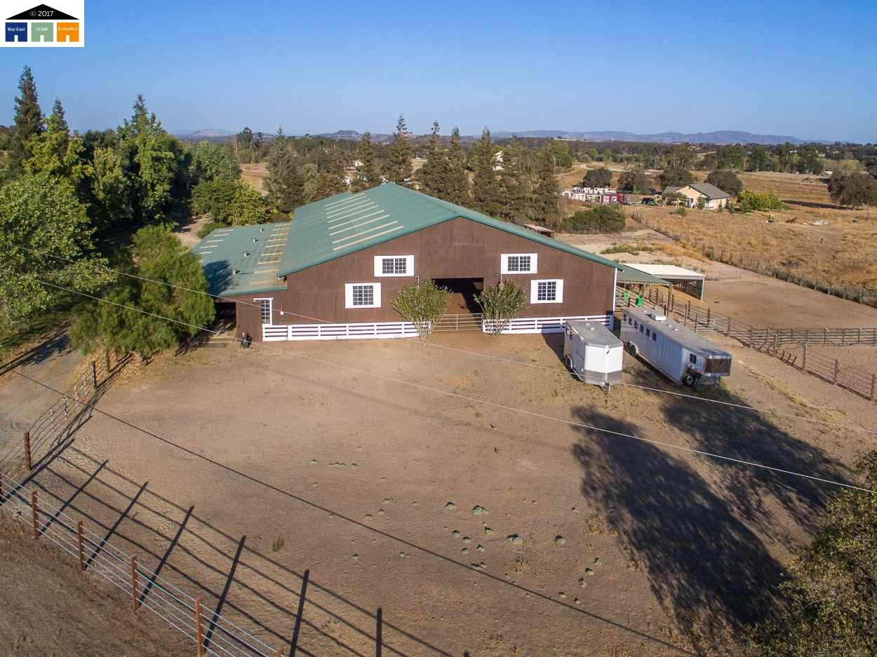 Single Family Home for Sale at 10607 Limestone Drive 10607 Limestone Drive Wallace, California 95254 United States