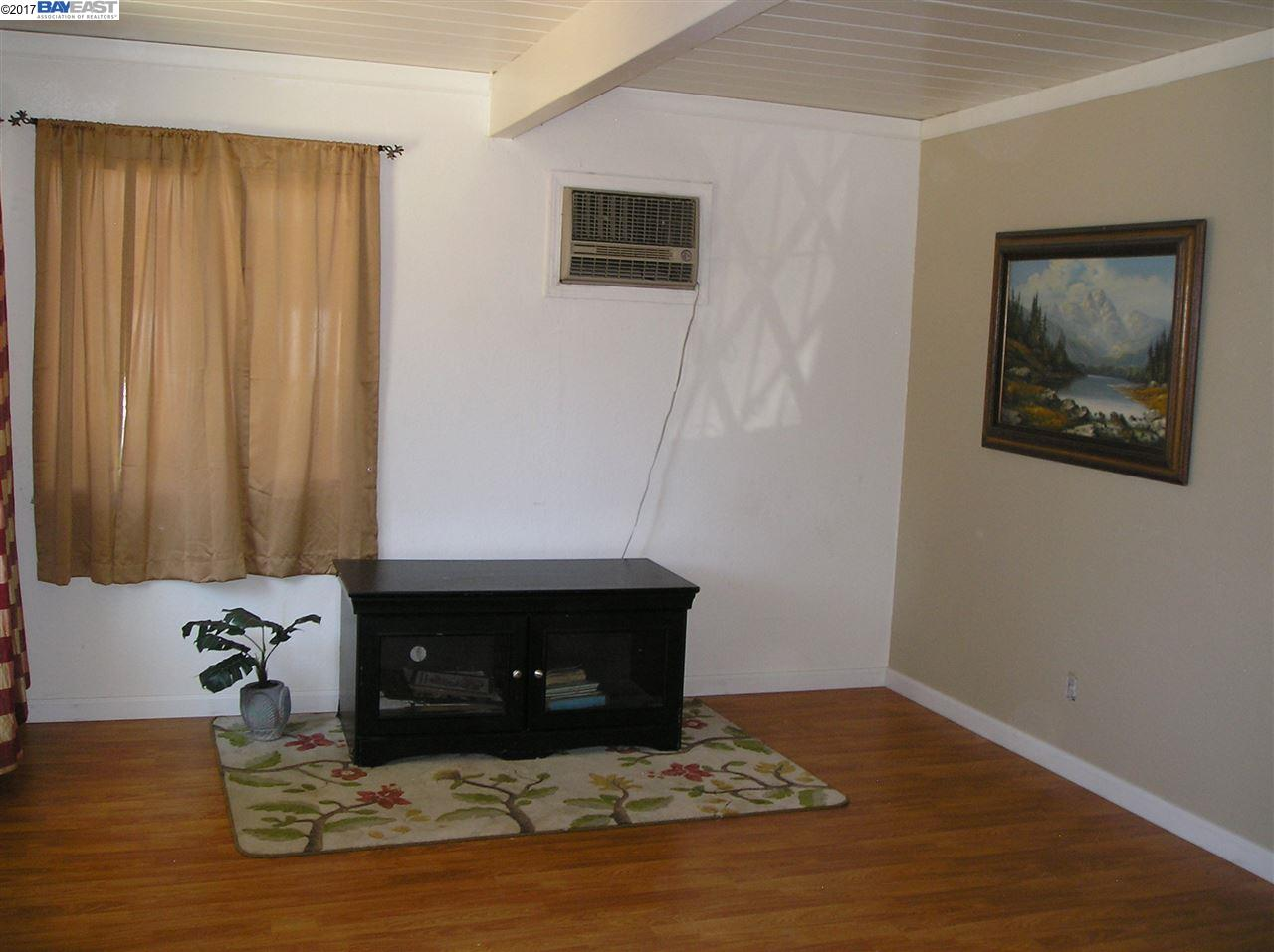 Additional photo for property listing at 510 S OLIVE Avenue  Stockton, California 95215 United States