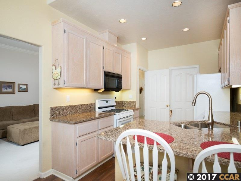 Additional photo for property listing at 98 Amberfield Lane  Danville, California 94506 United States