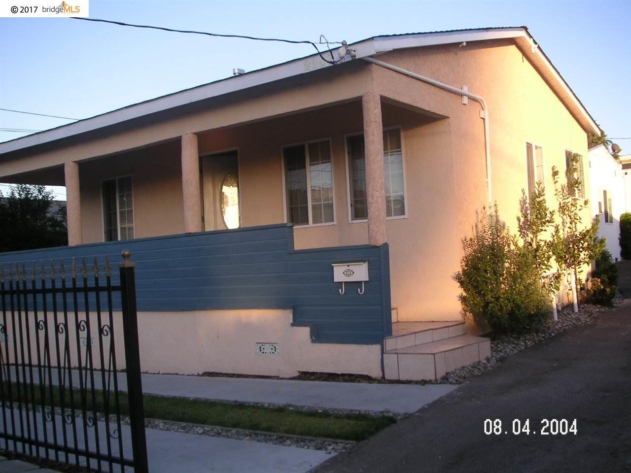 Casa Multifamiliar por un Venta en 2251 REGENT WAY Castro Valley, California 94546 Estados Unidos