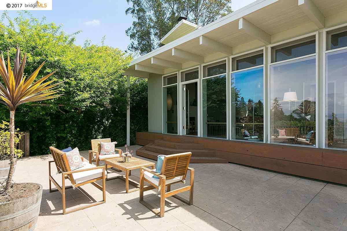 Частный односемейный дом для того Продажа на 1230 Queens Road Berkeley, Калифорния 94708 Соединенные Штаты