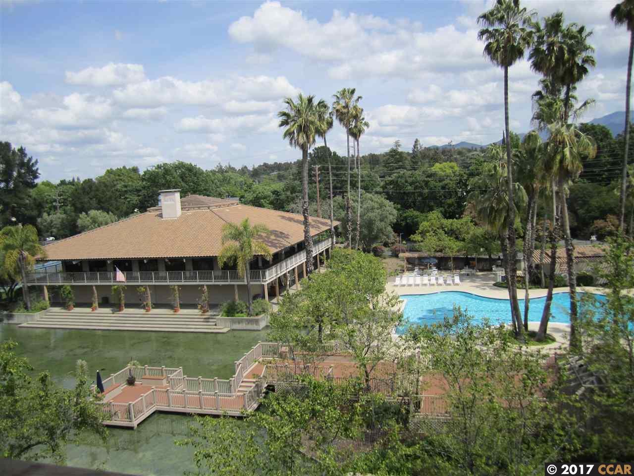 Maison unifamiliale pour l Vente à 430 N Civic Drive Walnut Creek, Californie 94596 États-Unis