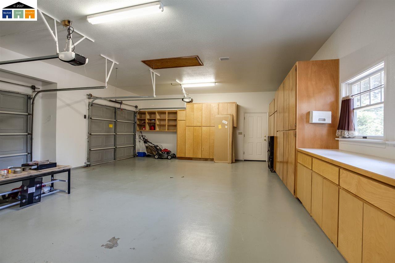 Additional photo for property listing at 10008 Del Almendra 10008 Del Almendra Oakdale, Kalifornien 95361 Vereinigte Staaten