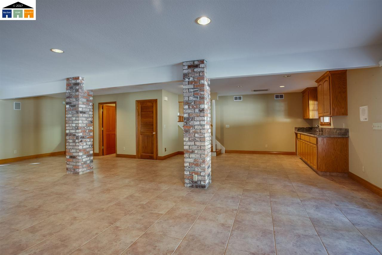 Additional photo for property listing at 10008 Del Almendra  Oakdale, Kalifornien 95361 Vereinigte Staaten