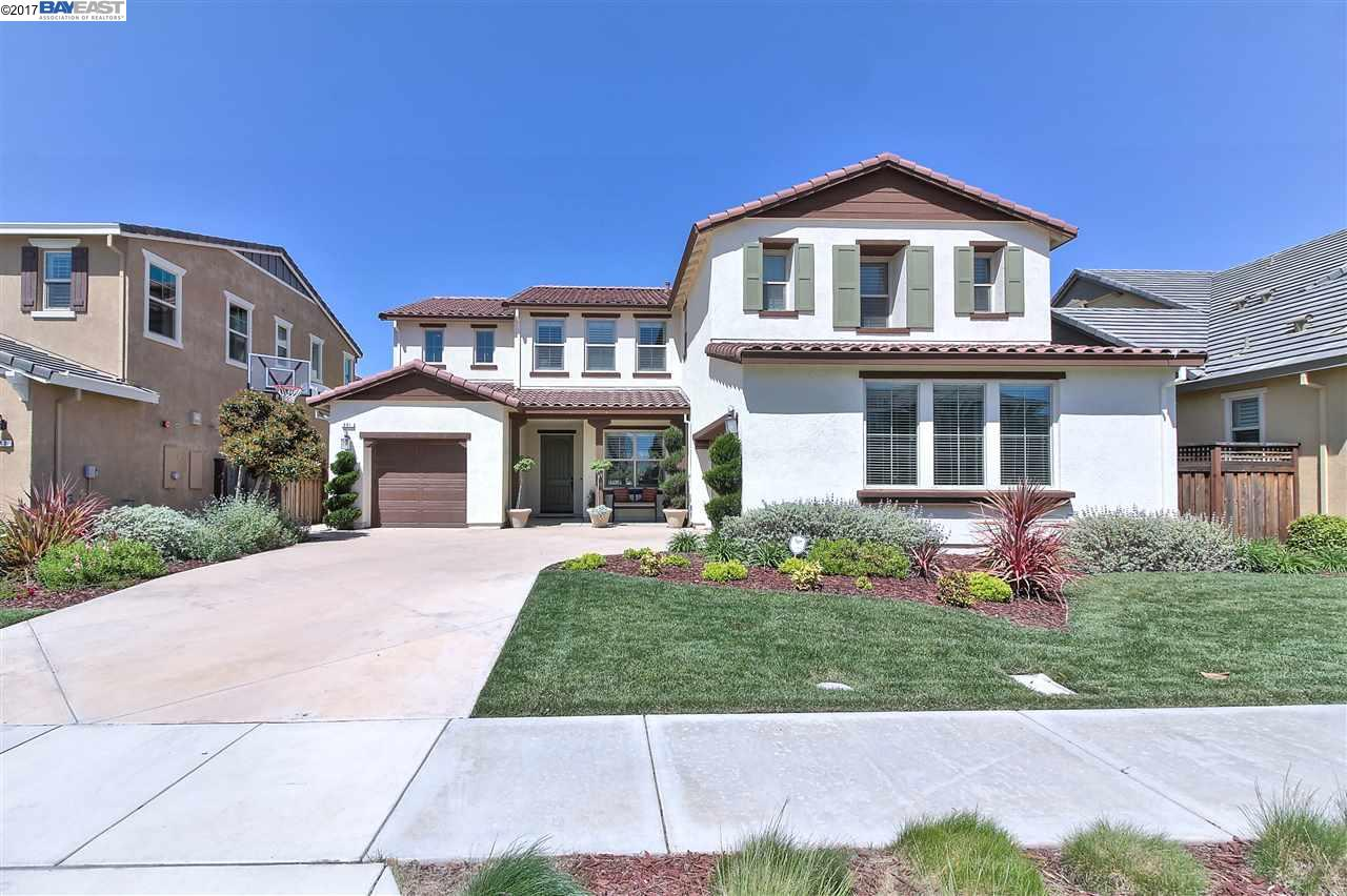 Single Family Home for Sale at 681 Channel Drive Lathrop, California 95330 United States
