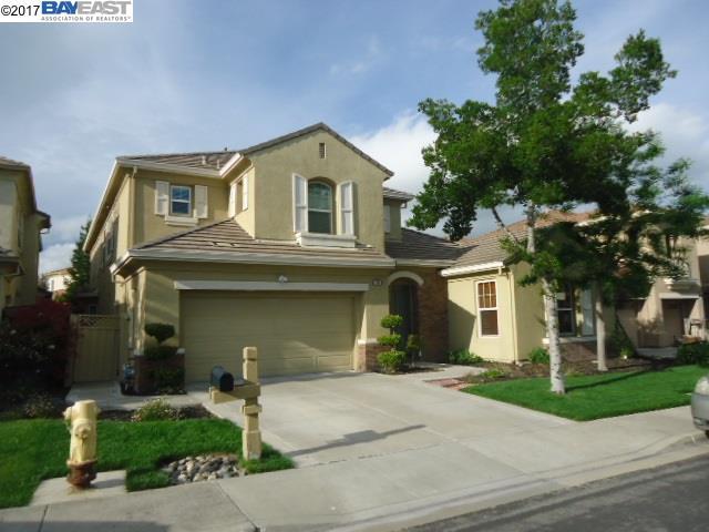 Maison unifamiliale pour l Vente à 3709 PENWOOD Place Dublin, Californie 94568 États-Unis