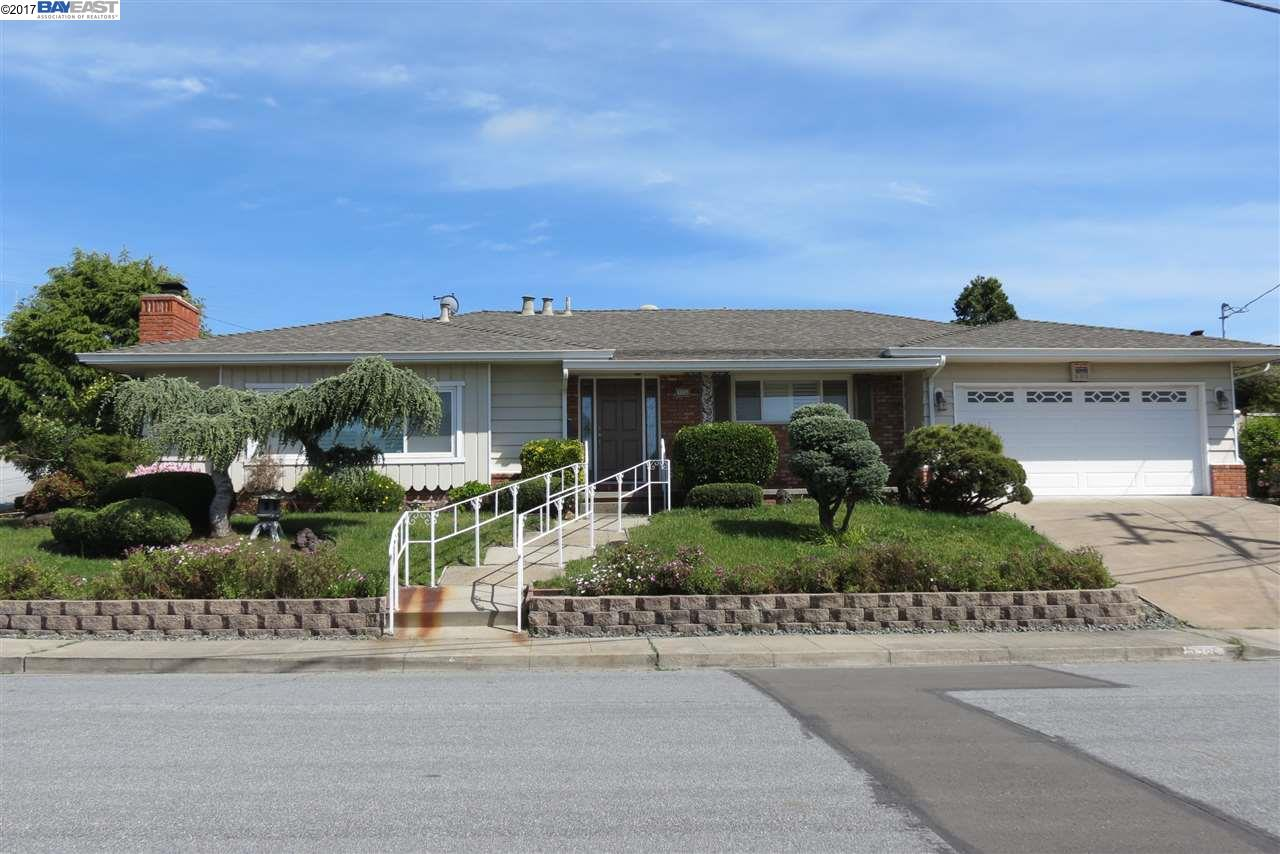 Single Family Home for Sale at 1735 Skyview Drive San Leandro, California 94577 United States