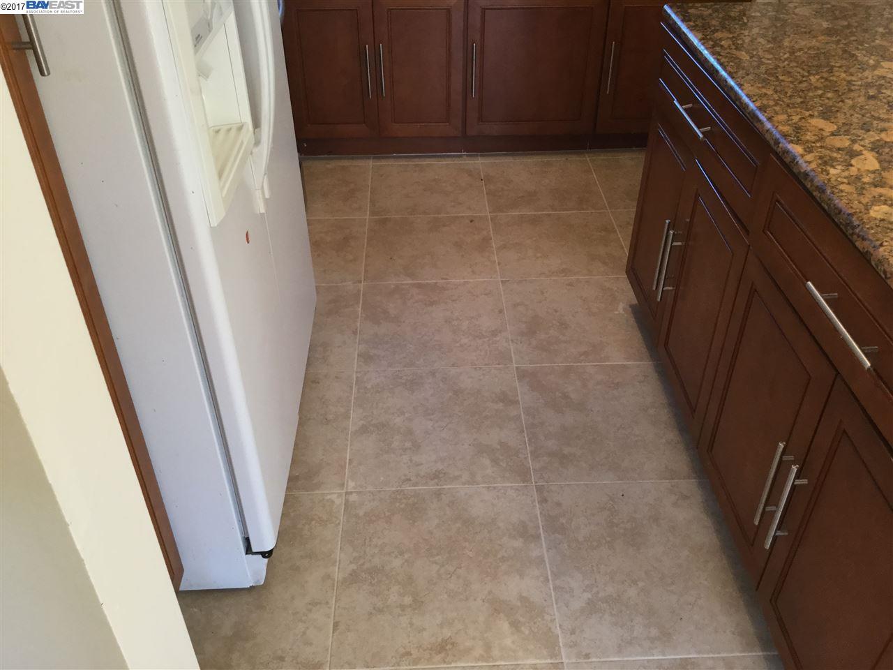 Additional photo for property listing at 1435 172Nd Avenue 1435 172Nd Avenue Hayward, California 94541 Estados Unidos