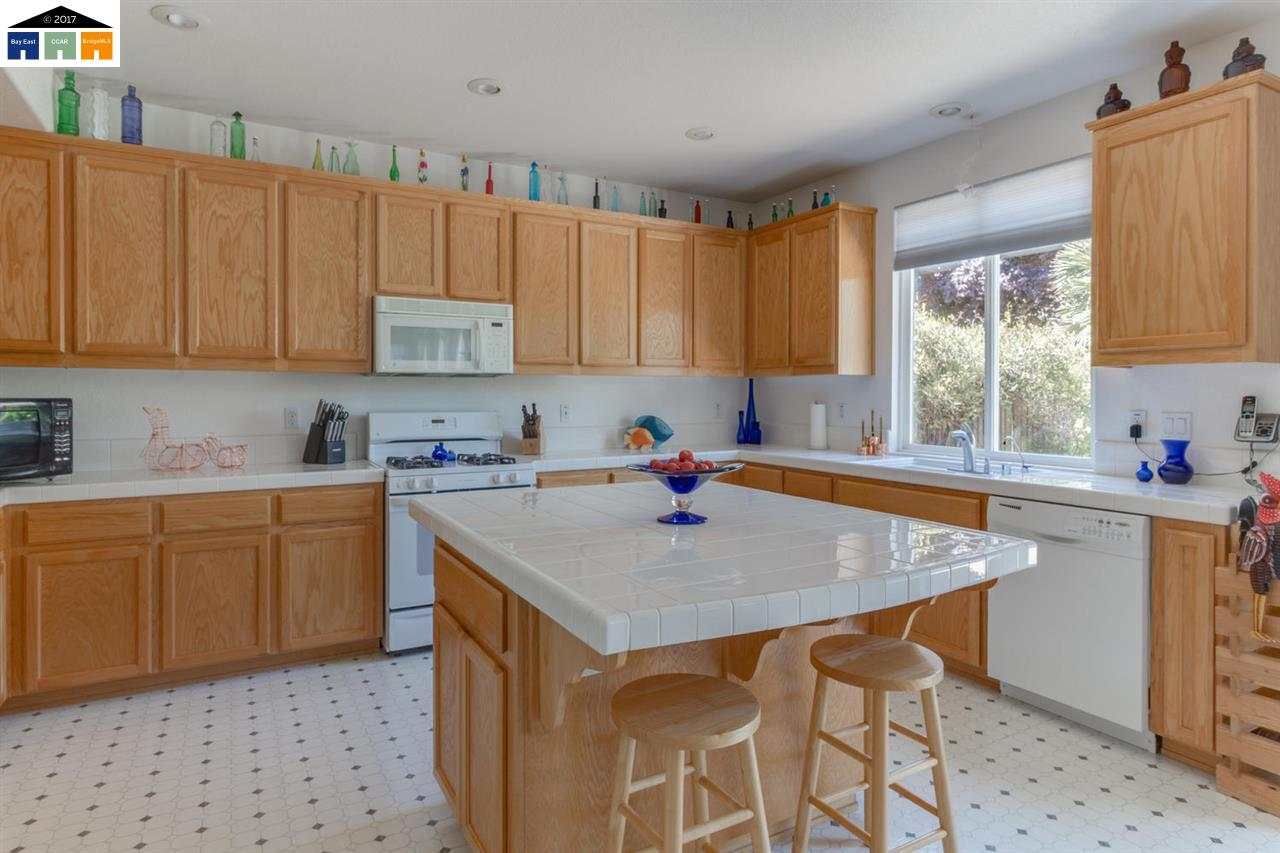 Additional photo for property listing at 975 Cobalt Drive  Tracy, Kalifornien 95377 Vereinigte Staaten